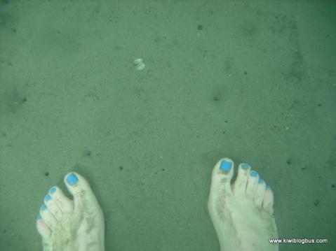 Underwater toes